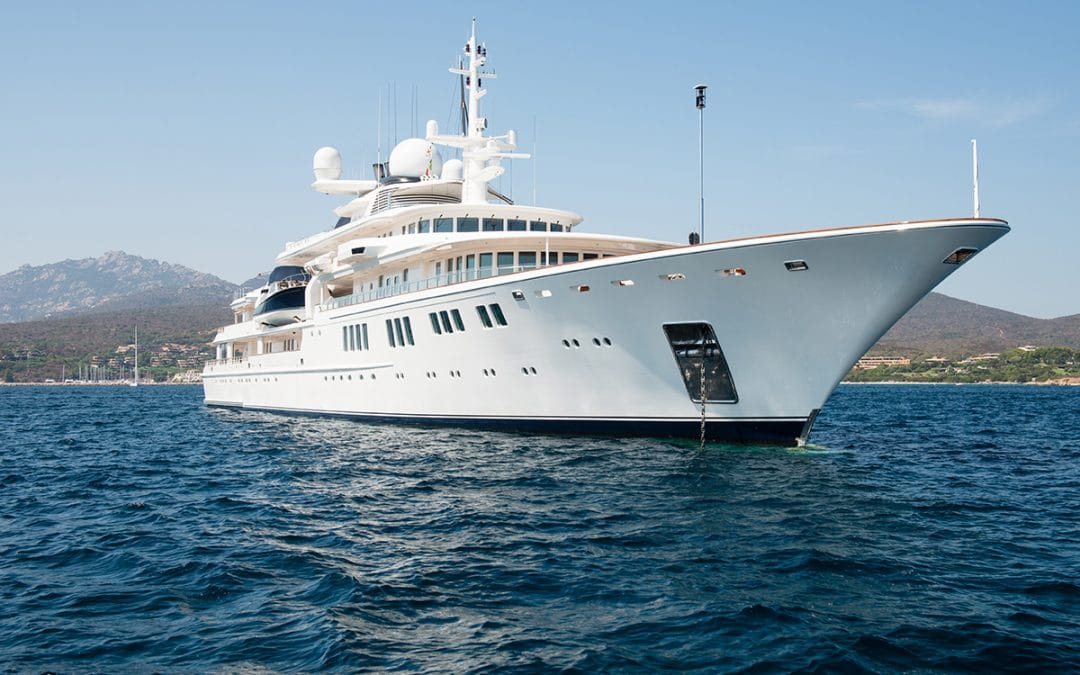 Did you hear the one about a man who bought a super yacht from a brochure? No, Neither did I.
